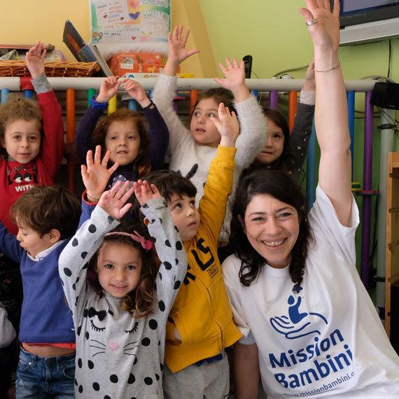 I Volontari di Mission Bambini uniti per ridisegnare la scuola